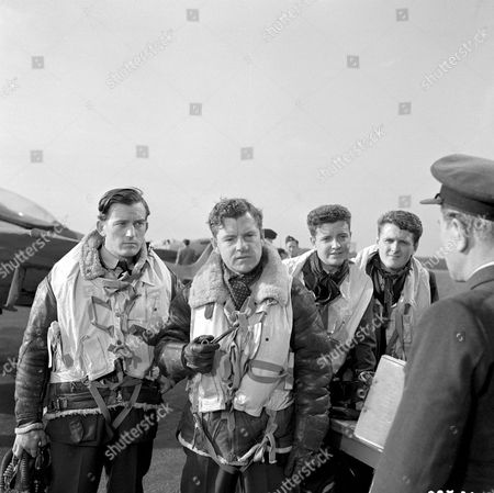 'Reach For The Sky'   Film   The True Story of Douglas Bader, An RAF Pilot. Lyndon Brook and Kenneth More