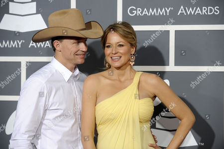 Us Country Singer Jewel (r) and Her Husband Us Rodeo Cowboy World Champion Ty Murray Arrive For the 53rd Annual Grammy Awards at Staples Center in Los Angeles California Usa 13 February 2011 United States Los Angeles