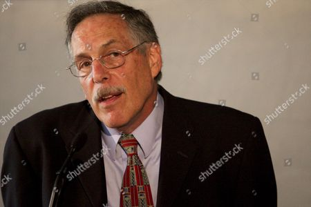 Mit Professor of Economics Peter Diamond Shrugs His Shoulders While Answering Questions at a Press Conference From the Mit Campus in Cambridge Mass Usa on 11 October 2010 Hours After Being One of Three Awarded the Nobel Prize in Economic Sciences United States Cambridge