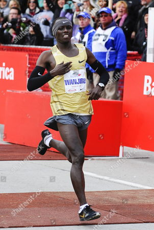 Sammy Wanjiru of Kenya Win the 2009 Bank of America Chicago Marathon in Chicago Illinois Usa 11 October 2009 Wanjiru Finished First Place with a Time of 2:05:41 Registration Was Closed Weeks Ago For the Event When the 45 000 Participant Limit Was Reached