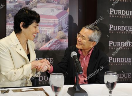 Distinguished Professor of Chemistry Ei-ichi Negishi Co-winner of the Nobel Prize in Chemistry is Congratulated by Purdue University President France a Cordova (l) As They Meet with the Media at the Dauch Alumni Center at Purdue University in West Lafayette Indiana Usa 06 October 2010 Negishi Will Share the Award with Richard F Heck of the University of Delaware and Akira Suzuki of Hokkaido University of Sapporo Japan United States West Lafayette