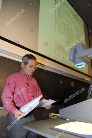 Distinguished Professor of Chemistry Ei-ichi Negishi Co-winner of the Nobel Prize in Chemistry Prepares to Teach His Sophomore Chemistry Class at Purdue University in West Lafayette Indiana Usa 06 October 2010 Negishi Will Share the Award with Richard F Heck of the University of Delaware and Akira Suzuki of Hokkaido University of Sapporo Japan United States West Lafayette