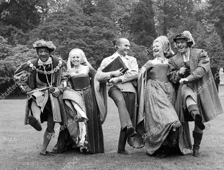 'Carry On Henry'   Film Sid James, Barbara Windsor, Gerald Thomas, Joan Sims and Julian Holloway.