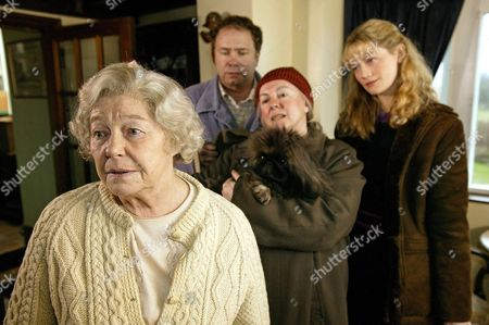 'Heartbeat'   TV Rosemary Leach, David Lonsdale, Gwen Taylor and Sophie Ward.