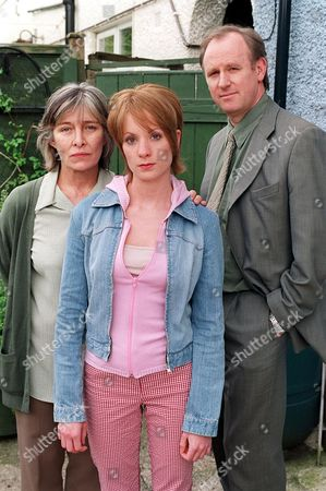 'The Last Detective'   TV Picture Shows: Rachel Davies (Mrs Norris), Joanne Foggatt (Josie Norris) and Peter Davison as Detective Dangerous Davies.