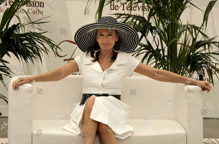 U S Actress Lesley-anne Down Poses For Photographers During the 47th Monte Carlo Television Festival at the Grimaldi Forum in Monte Carlo Monaco 11 June 2007 the Six-day Event Will Wind Up On 15 June with the Black-tie Golden Nymph Awards Ceremony