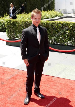 Us Actor Jason Earles Arrives at the 2010 Creative Arts Emmy Awards in Los Angeles California Usa 21 August 2010 the Creative Arts Awards Honor Excellence in Television Technical Categories Such As Makeup Casting Direction Costume Design Editing and Cinematography the 62nd Primetime Emmy Awards Ceremony Will Take Place on 29 August 2010 Pa/paul Buck United States Los Angeles