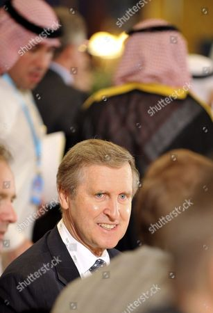 Former Us Secretary of Defense William Cohen Attends the Opening of the 6th Manama Dialogue Security Summit in Manama Bahrain 11 December 2009 the Yemen Situation Has Emerged As the Gulf Officials Top Concern After Kuwait's Foreign Minister Sheikh Muhammad Al Sabah Al Salem Al Sabah and Bahrain's Foreign Minister Sheikh Khalid Bin Ahmed Al Khalifa Expressed Concern About the Rebellion in Northern Yemen and Its Ramifications On the Six Gulf States Around 320 Delegates From More Than 20 Countries Are Taking Part in the Three Day-long Conference in Which the Situation in Iran and Afghanistan Are Expected to Dominate the Discussions