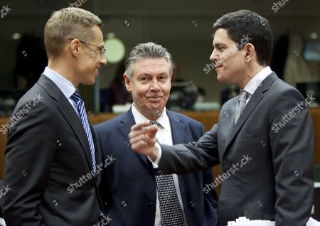 Epa02004835 (l to R) Finnish Foreign Minister Alexander Stub European Commissioners For Development and Humanitarian Aid Belgian Karel De Gucht and Britain's Foreign Secretary David Miliband at the Start of the Eu Foreign Affairs Council in Brussels Belgium 25 January 2010 Iran Will Be on the Agenda As Member States Consider How to the Eu Can Put More Pressure on Tehran to End Its Controversial Nuclear Programme the Ministers' Meeting Comes Six Weeks After Eu Leaders Issued a Statement at a Summit in Brussels in December Saying the Bloc Would Be Prepared to Back Un Sanctions on the Issue They Asked Foreign Ministers 'To Consider Options For Next Steps to This End' Epa/olivier Hoslet Belgium Brussels