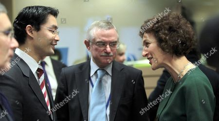 Stock Image of British Minister of State For Public Health Gillian Merron (r) Chats with Newly Appointed German Health Minister Philipp Roesler During European Health Affairs Ministers Council at the Eu Headquarters in Brussels Belgium 01 December 2009