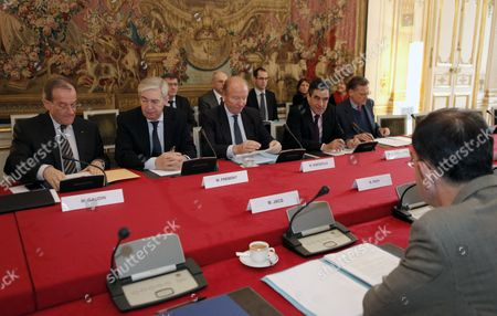 Editorial picture of France Matignon Weather Ministerial Meeting - Dec 2010