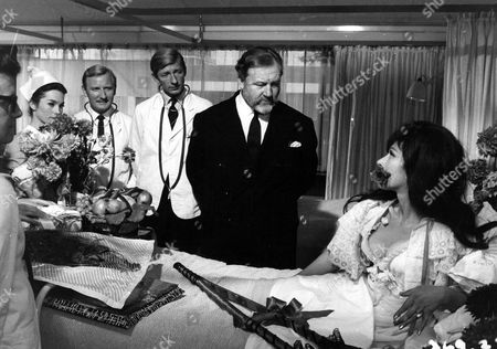 'Doctor In Clover'   Film L-R.Shirley Anne Field, Leslie Phillips, Jeremy Lloyd, James Robertson Justice and Fenella Fielding