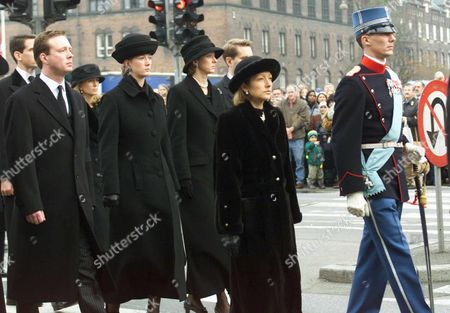 Copenhagen Denmark: (from Left to Right) Prince Gustav Zu Sayn-wittgenstein-berleburg Princess Nathalie and Princess Alexandra (all Children of Danish Princess Benedikte) and Alexandras Husband Jefferson-friedrich Volker Benjamin Count Von Pfeil and Klein-ellguth (partly Obscured) Following Behind Danish Prince Joachim ( Extreme Right) and His Wife Princess Alexandra (second From Right) As They Walk Behind the Carriage Carrying the Coffin of Danish Queen Mother Ingrid During Funeral Ceremonies Tuesday 14th November 2000 in Copenhagen