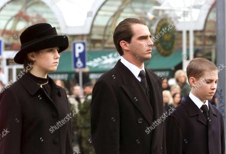 Copenhagen Denmark: Greece Princess Theodora and Brothers Greece Prince Nicolas and Greece Prince Philippos (from L to R) All Children of Former Greek King Konstantin Follow the Coffin with Danish Queen Mother Ingrid to the Central Train Station in Copenhagen Tuesday 14 November 2000 a Train with the Coffin and the Royal Family Departed From Copenhagen to Roskilde where the Funeral Takes Part Queen Mother Ingrid Danish Queen From 1947 Until 1972 Died November 7th at the Age of 90