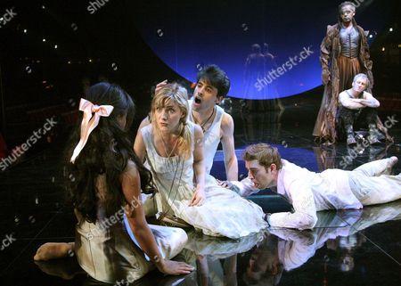 Tom Davey ( Lysander ), Natalie Walker ( Helena ), Kathryn Drysdale ( Hermia ), Edward Bennett ( Demetrius ),  Peter de Jersey ( Oberon ), Mark Hadfield ( Puck )