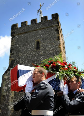 Stock Picture of Soldiers From the Royal Navy and Royal Airforce Carry the Coffin of World War i Veteran and the World's Oldest Man Henry Allingham Following His Funeral Service at St Nicholas Church in Brighton Britain 30 July 2009 Henry Allingham the World's Oldest Man and One of the Last Surviving World War i Servicemen Died at the Age of 113 18 July Mr Allingham Served with the Royal Naval Air Service in Wwi Later Transferring to the Royal Air Force at the Time of Its Creation United Kingdom London