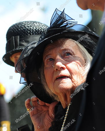 Stock Photo of Betty Hankin Daughter of Henry Allingham Attends the Funeral Service of World War i Veteran and the World's Oldest Man Henry Allingham at St Nicholas Church in Brighton Britain 30 July 2009 Henry Allingham the World's Oldest Man and One of the Last Surviving World War i Servicemen Died at the Age of 113 18 July Mr Allingham Served with the Royal Naval Air Service in Wwi Later Transferring to the Royal Air Force at the Time of Its Creation Epa/andy Rain United Kingdom London
