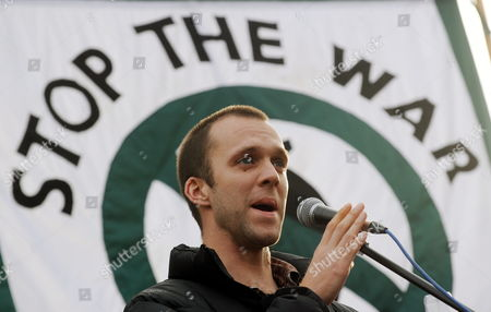 Lance Corporal Joe Glenton Addresses Thousands of People at a Stop the War Demonstration in London Britain 24 October 2009 Lance Corporal Joe Glenton Faces a Court Martial After Refusing to Fight in Afghanistan Lance Corporal Glenton Denies the Charge of Desertion Because He Believes the Conflict is Unlawful Thousands of People Marched Through London Calling For an End the War in Afghanistan United Kingdom London
