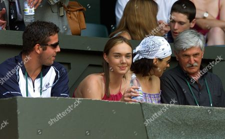 Wim02-20010704 London United Kingdom: From Right - the Family of Swiss Player Roger Federer - Robert Federer (father) Lynette Federer (mother) Diana Federer (sister) and Coach Peter Lundgren Take Seat at Centre Court where Roger Federer Will Play His Quarter Final Match Later the Day Against Britain's Tim Henman Wednesday 04 July 2001 Epa Photo/epa/anja Niedringhaus United Kingdom London
