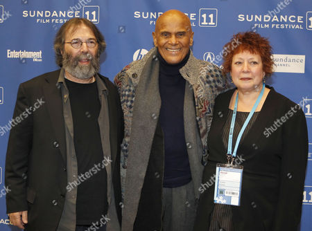 Producer Michael Cohl (l) Harry Belafonte (c) and Filmmaker Susanne Rostock (r) Posses For a Picture Before the Premier of the Movie 'Sing Your Song' During the 2011 Sundance Film Festival in Park City Utah Usa 20 January 2011 the Movie by Us Director Susanne Rostock is Presented in the Documentary Competition at the Festival Running From 20 to 30 January United States Park City