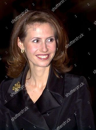 London United Kingdom : Syrian President Bashar Al-assads Wife Asma Arrives with Her Husband For a Dinner Hosted by Britains Lord Chancellor Lord Irvine of Lairg at Lancaster House in Central London 16 December 2002