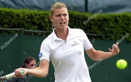 London United Kingdom : German Player Anke Huber Plays a Forehand During Her Third Round Match Against Russian Elena Dementieva at the All England Tennis Championships in Wimbledon on Friday 29 June 2001 Huber Won 6-0 6-2