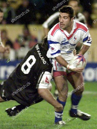 Stock Image of New Zealand's Prop Craig Smith Tackles French Prop Jason Sands 12 November 2000 During Their Quarter Final Rugby League World Cup Match at Castleford North Yorkshire Epa Photo United Kingdom Castleford