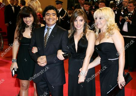 Daughter Gianinna, Diego Maradona, Daughter Dalma, Ex wife Claudia Villafane