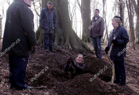 'Emmerdale'   TV Richard Thorp, Richard Shelton, Lorraine Chase, Mark Charnock and Paula Tilbrook.