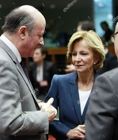 Spanish Finance Minister Elena Salgado (r) Chats with Chairman of European Finance Ministers' Council Polish Finance Minister Jan Vincent Rostowski (l) at the Start of a European Finance Ministers' Council Meeting at the Eu Headquarters in Brussels Belgium 30 November 2011 Belgium Brussels