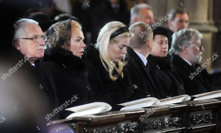 Czech President Vaclav Klaus (l) Widow of Late Czech Former President Vaclav Havel Dagmar Havlova (2-l) Her Daughter Nina Veskrnova (c) and Brother of Vaclav Havel Ivan Havel (r) React During the Funeral of Late Czech President Vaclav Havel in the Saint Vitus Cathedral at the Prague Castle in Prague on 23 December 2011 Havel Died 18 December at the Age of 75 Czech Republic Prague
