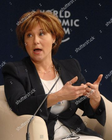 Christy Clark Premier of British Columbia Canada Speaks During the Plenary Session on 'The New Role of the States: Catalysts For Growth' Speaks During the India Economic Summit 2011 in Mumbai India 14 November 2011 the World Economic Forum in Partnership with the Confederation of Indian Industry (cii) is Hosting Its Annual India Economic Summit For the First Time in Mumbai From the 12th to 14th of November Under the Working Theme Linking Leadership with Livelihood Over 800 Participants From 40 Countries Should Be Taking Part Epa/divyakant Solanki India Mumbai