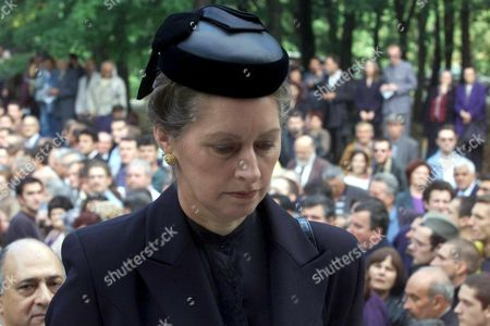 Topola-yugoslavia: Princess Linda Karadjordjevic Widow of Prince Tomislav Karadjordjevic Member of Serbian Royal Family Arrives For the Funeral Service For Her Husband at King Petar i Karadjordjevic Memorial Monastery in Oplenac Near Topola Some 70 Km South of Belgrade on Sunday 16 July 2000 Prince Karadjordjevic the Uncle of Crown Prince Alexander who Lives in Exile in London Died of Cancer at the Age of 72 on Wednesday 12 July