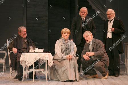 John Nettleton as Simeonov-Pishchik, Diana Rigg as Ranyevskaya, William Gaunt as Gayev, Michael Siberry as Lophakin and Frank Finlay as Firs