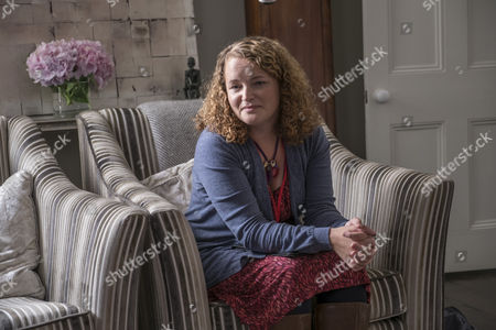 EPISODE 3 - Pictured: Emma Cunniffe as Janet.