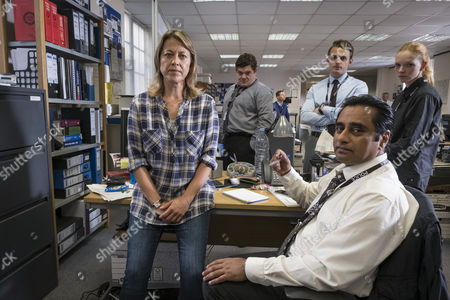 EPISODE 2 - Pictured: Nicola Walker as Cassie,JORDAN LONG as DC Murray Boulting, Lewis Reeves as DC Jake Collier, Sanjeev Bhaskar as Sunny and CARLOINA MAIN as DC Fran Lingley and Sanjeev Bhaskar as DI Sunny Khan.