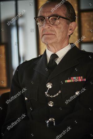 ITV ENDEAVOUR SERIES IV EPISODE 1 Pictured : Anton Lesser as Chief Sup Reginald Bright.