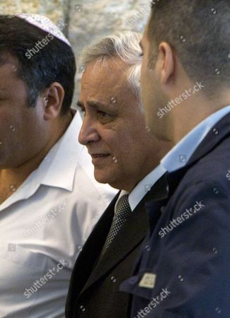 Former Israeli President Moshe Katsav (c) Surrounded by Body Guards Family and Supporters Leaves the Supreme Court in Jerusalem Israel 10 November 2011 After the Court Upholds a Tel Aviv Court's Sentence of Seven Years in Jail For Rape and Sexual Assault Charges the Court Denied Katsav's Appeal and Upheld the Lower Court's Sentence Which Katsav is Due to Begin Serving in Early December Israel Jerusalem
