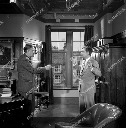'The 39 Steps'   Film Kenneth More (right) with Andrew Cruickshank