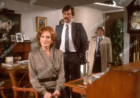 Stock Picture of 'A Killing on the Exchange'  TV - 1987 - Isobel Makepeace [Sian Phillips]  Supt Thorne [John Duttine] Sgt Ballantyne [Adam Blackwood]