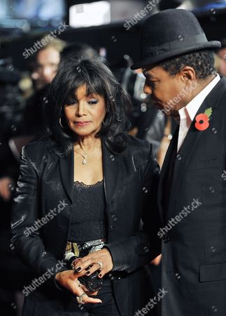 Brother of Late Us Singer Michael Jackson Tito Jackson (r) Consoles His Sister Rebbie Jackson During the Premiere of the Documentary Film 'Michael Jackson: Life of an Icon' at Leicester Square in London Britain 02 November 2011 United Kingdom London