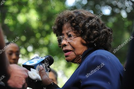 Stock Photo of Katherine Jackson the Mother of the Late Michael Jackson Answers Questions As They Leave the Courthouse After the Sentencing of Dr Conrad Murray who was Convicted of Involuntary Manslaughter For the Death of Pop Signing Legend Michael Jackson at the Los Angeles Superior Courthouse in Los Angeles California Usa 29 November 2011 Murray was Sentenced to the Maximum Four Years in the Death of Jackson United States Los Angeles