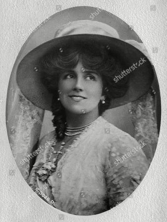 Ellaline Terriss English Actress Wearing A Large Hat 1909