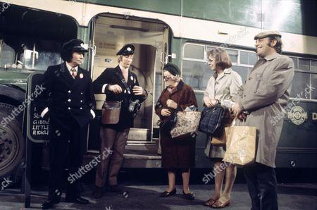 'On The Buses'   TV Episode: Foggy Night L-R.Reg Varney,  Bob Grant, Doris Hare, Anna Karen and Michael Robbins