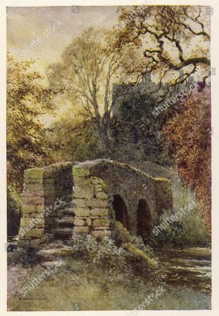 Haddon Hall Derbyshire : Dorothy Vernon's Bridge circa 1910