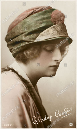 English Actress of Stage and Screen Gladys Cooper (1888-1971) circa 1910