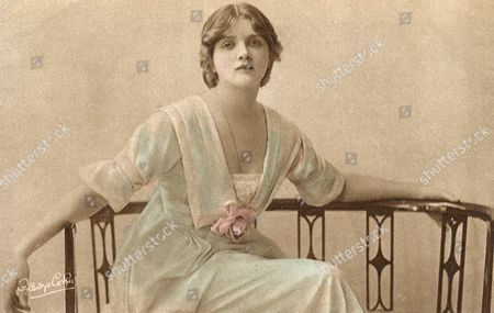 Gladys Cooper (1888-1971) - English Actress of Stage and Screen circa 1910