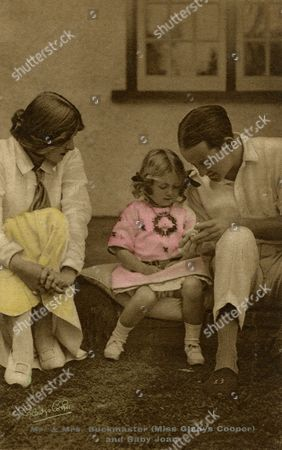 The English Actress of Stage and Screen Gladys Cooper (1888-1971) with Her First Husband Captain Herbert Buckmaster (they Married in 1908) and Their Daughter Joan (1910-2005) circa 1915