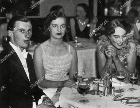 Stock Photo of Deborah Freeman-mitford (born 1920) Now Dowager Duchess of Devonshire Pictured at A Nightclub in 1939 with Lord Lansdowne and the Hon Veronica Fraser 1939