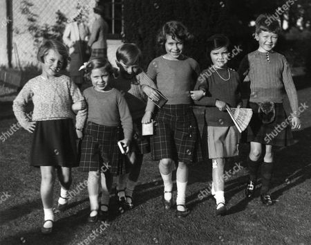 Princess Elizabeth of York Attends the Sixth Birthday Part of the Master of Carnegie at Elseck House On 23rd September 1935 From Left to Right is Miss Zoe D'erlanger Princess Margaret Master of Carnegie Princess Elizabeth Hon Mary Anna Stuart and Master Wolrige-gordon the Master of Carnegie Was the Only Son of Lady Maud Duff Daughter of Princess Louse the Princess Royal and Was Consequently the Queen's Second Cousin 1935